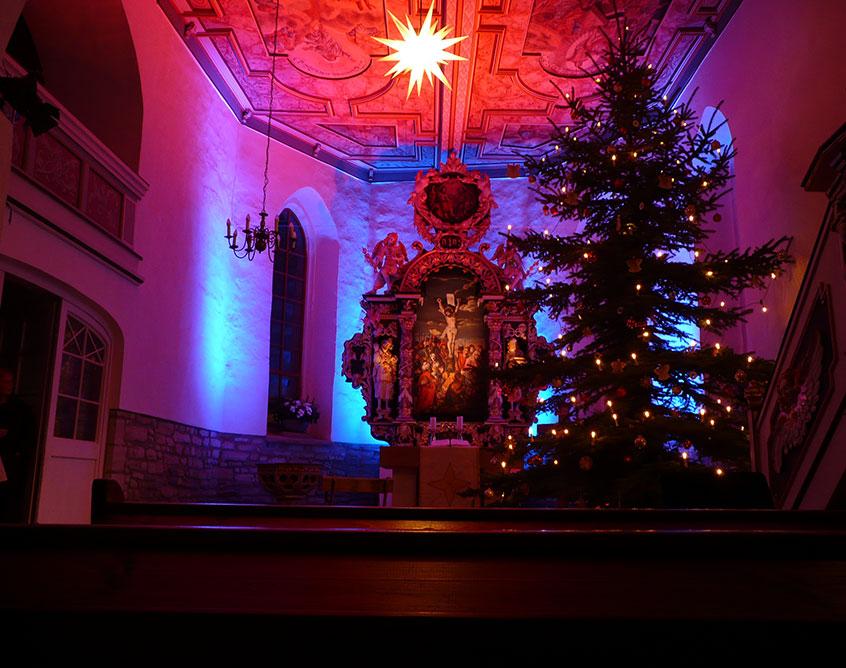 Weihnchtsbaum in der Kirche Pölzig
