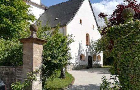 Eingang zur Kiche in Pölzig